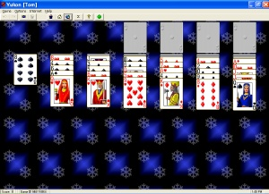 Play 800 solitaire card games